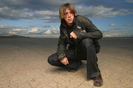A photo of independent singer/songwriter and music marketing guru John Oszajca